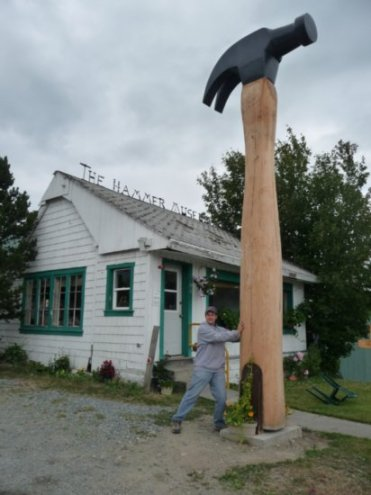 worlds-biggest-hammer